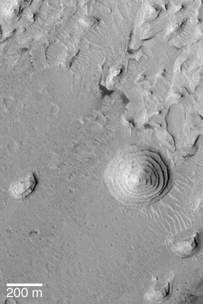 Kopiec schodkowy na Marsie
