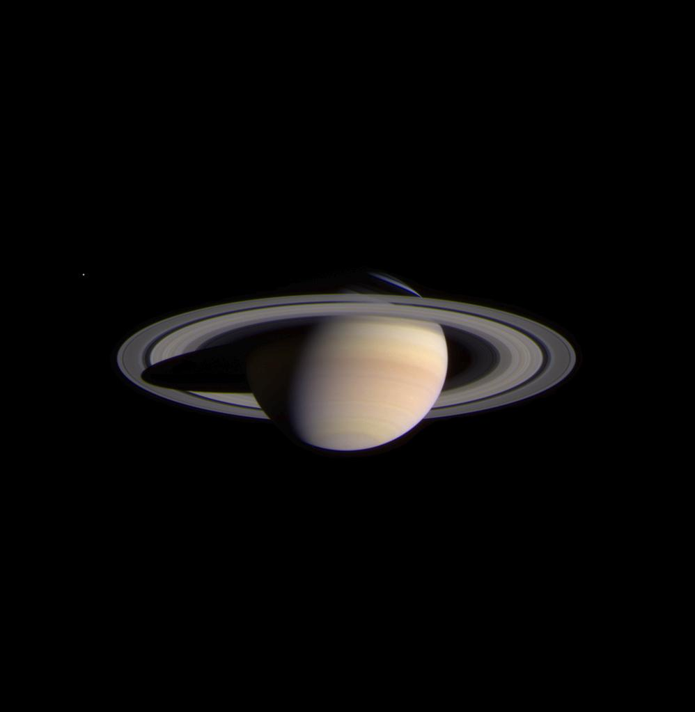 Saturn coraz bliżej