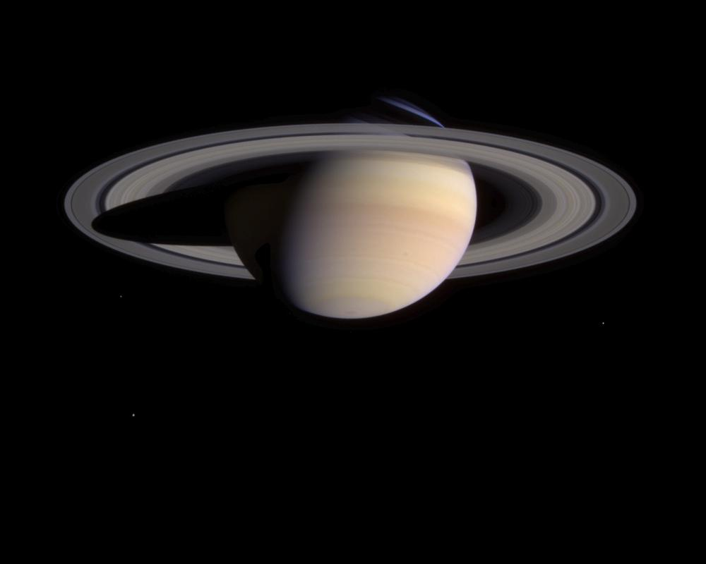 Plamy na Saturnie