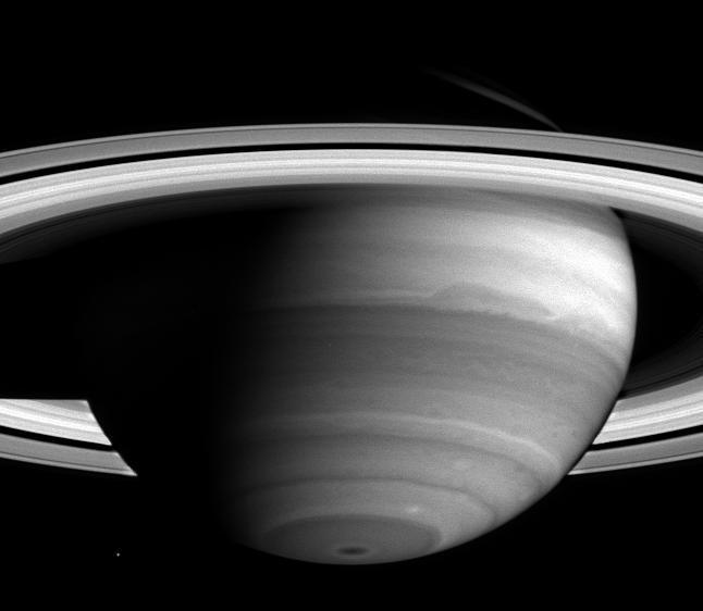 Koronki w atmosferze Saturna