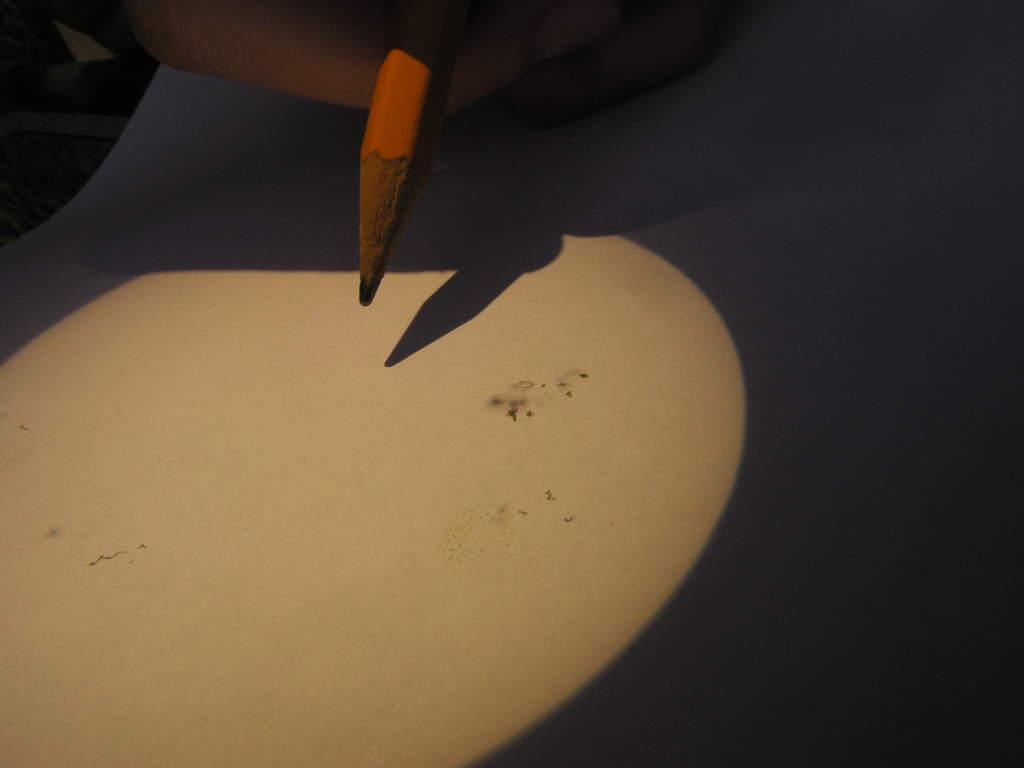 Plamy słoneczne na... kartce papieru