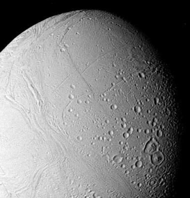 Enceladus wobiektywie Voyagera