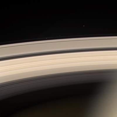 Atrakcje Saturna - kolejne