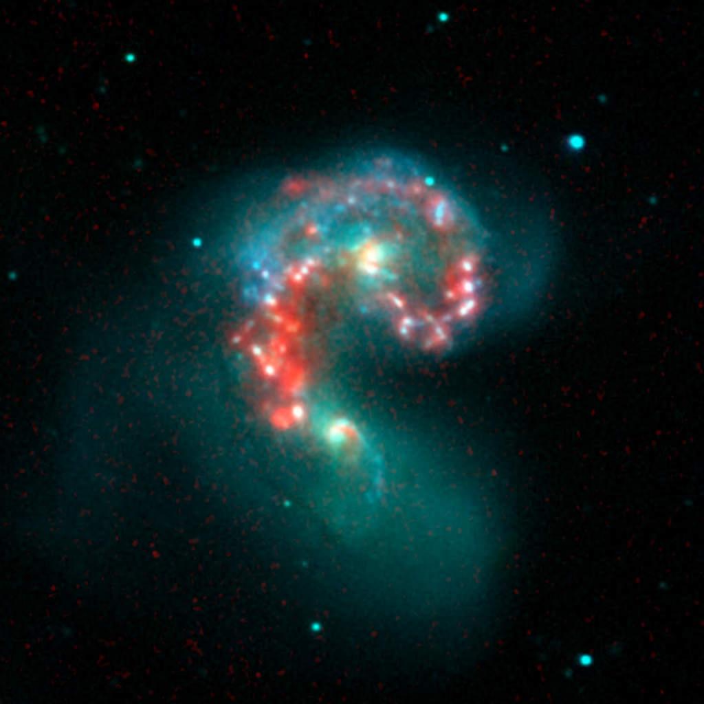 Galaktyki NGC 4038 i NCG 4039 (Antannae - Czułki)