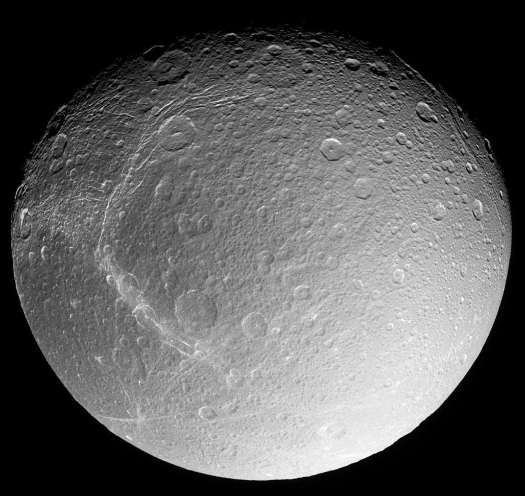 Dione. Obraz z sondy Cassini