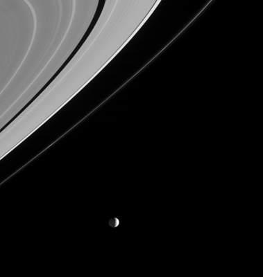Mimas ipierścienie