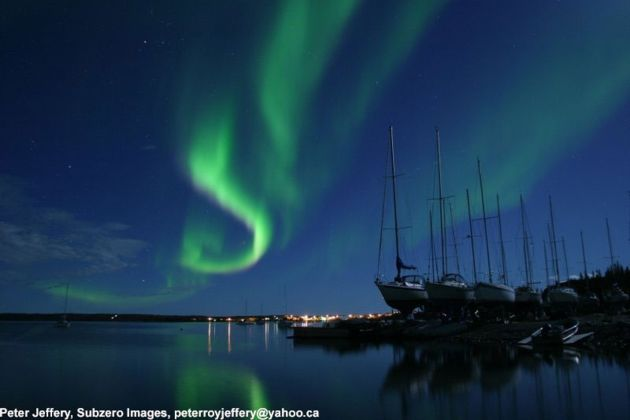 Zorza polarna w północnej Kanadzie