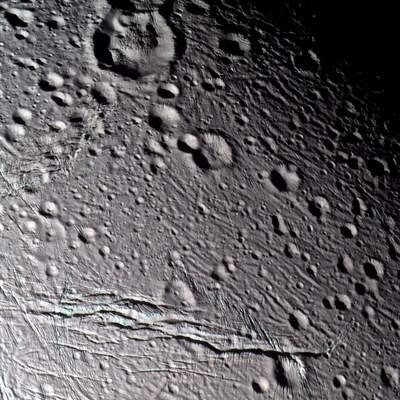 Powierzchnia Enceladusa