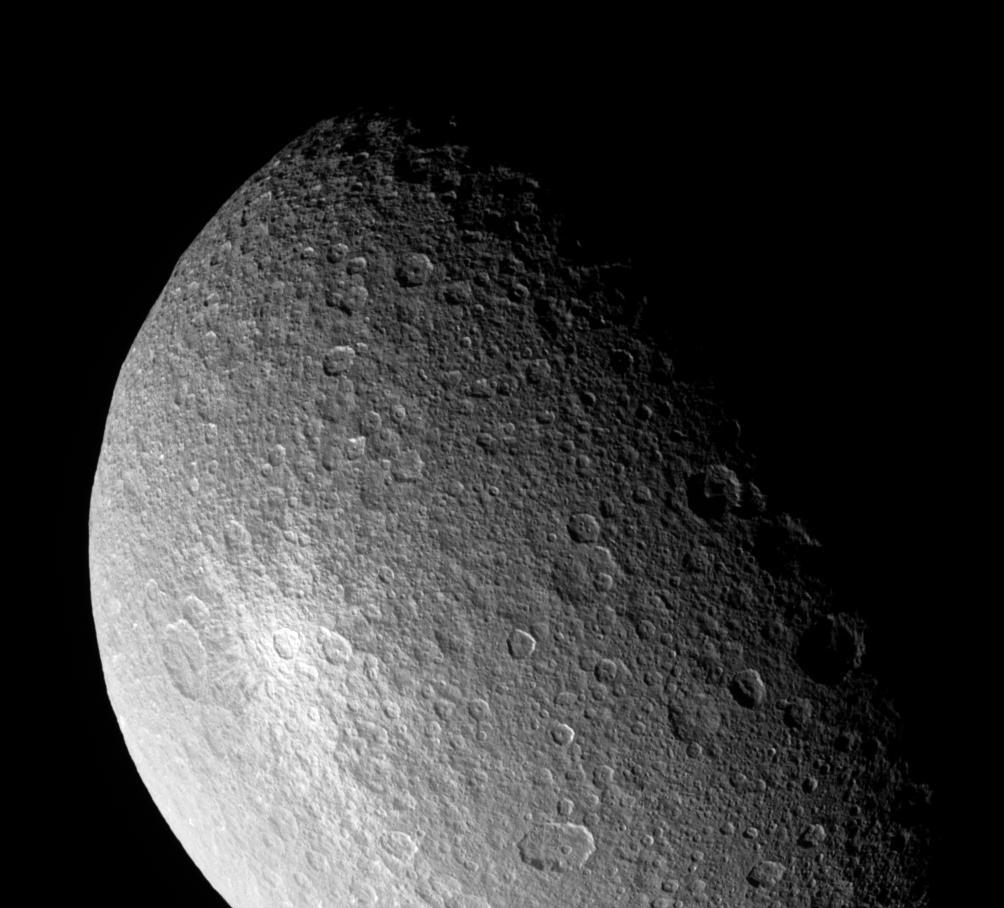 Rea w obiektywie Cassiniego