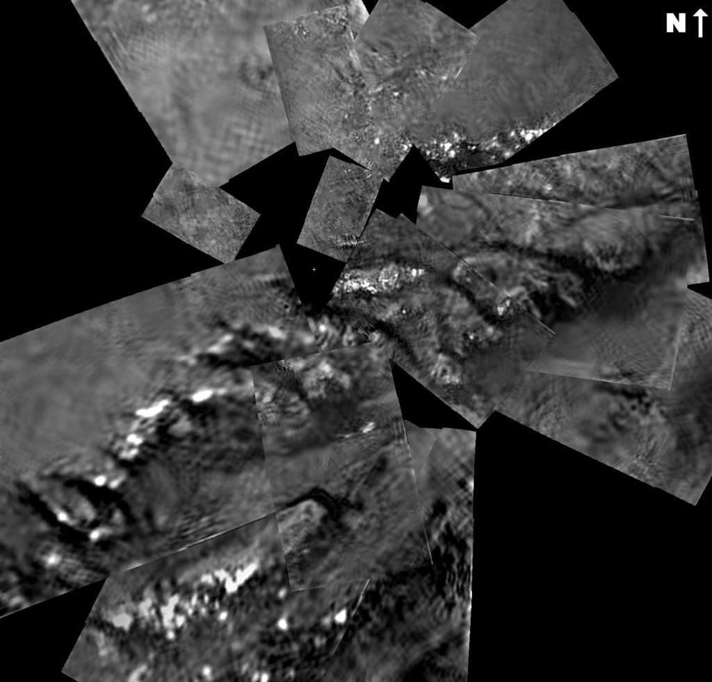 Powierzchnia Tytana widziana przezopadającego Huygensa