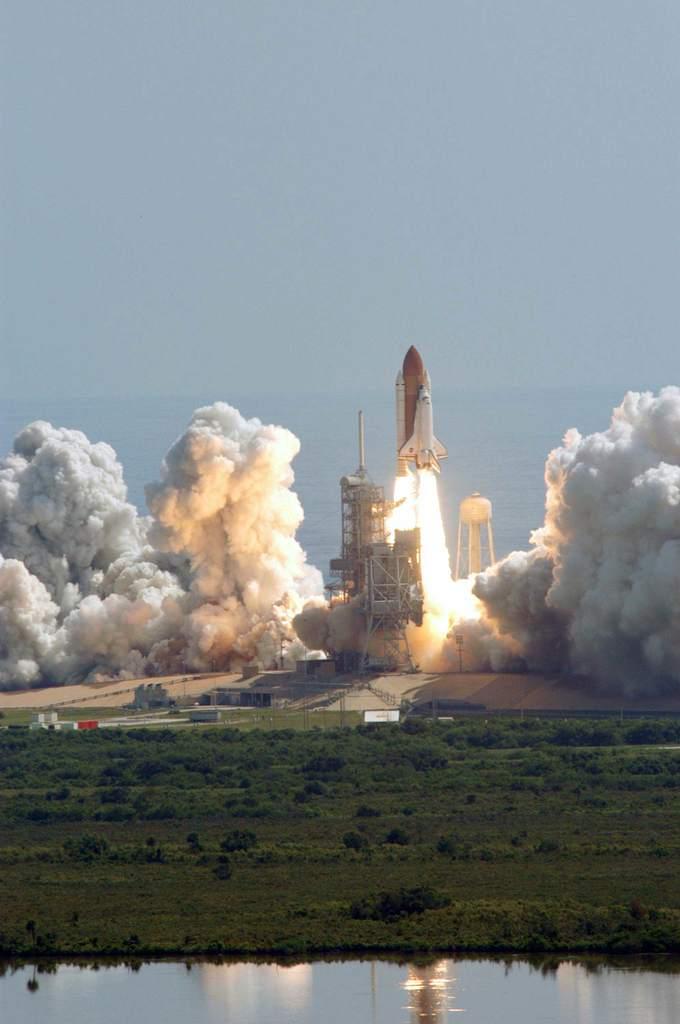 Start STS-114 (III)