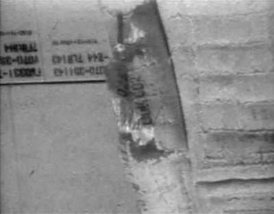 Uszkodzone poszycie promu Discovery (STS-114)