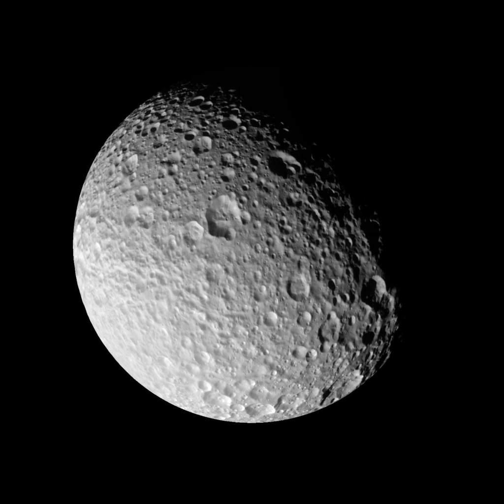 Zniszczony Mimas