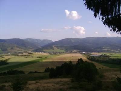 Widok zewzgórza naZavadkę nadHronom