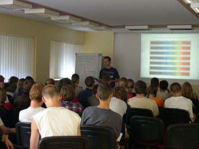 Podstawowy kurs astronomii 2005