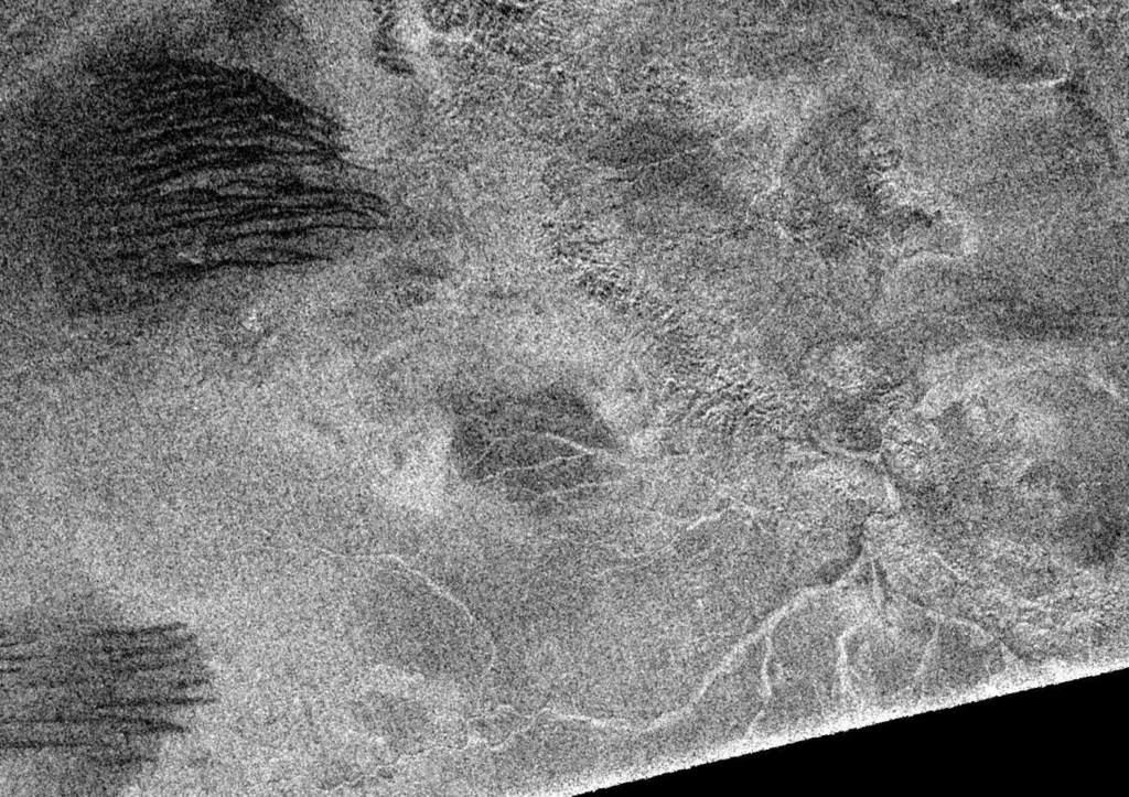 Urozmaicona powierzchnia Tytana
