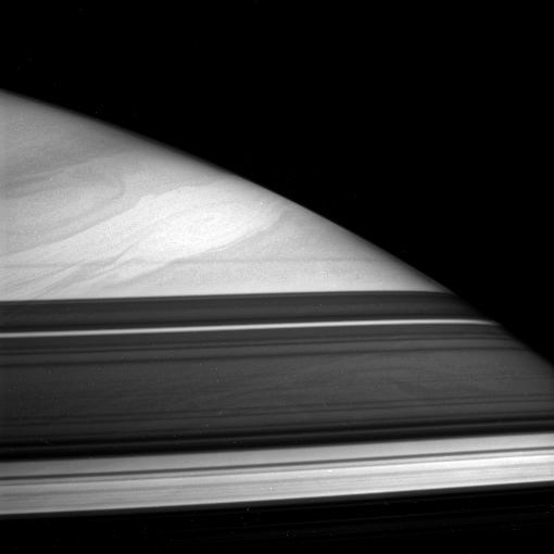 Sztorm na Saturnie