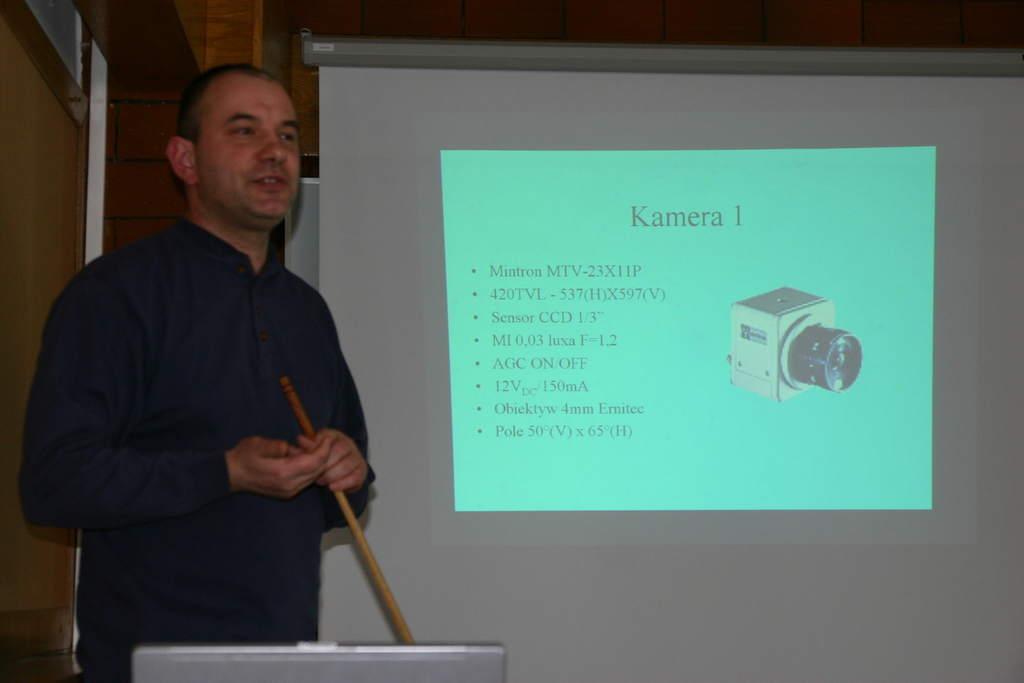 Mirosław Krasnowski prezentuje poznańską stację bolidową