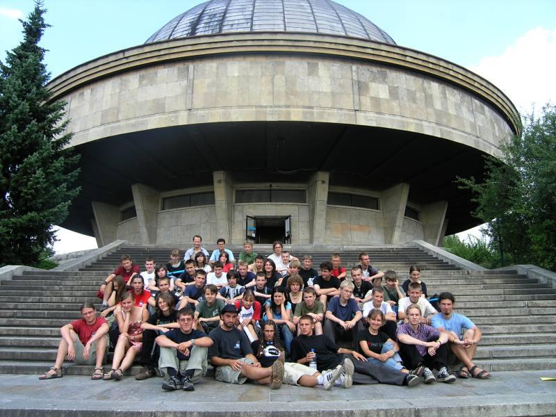 Almu2006 przed Planetarium Śląskim