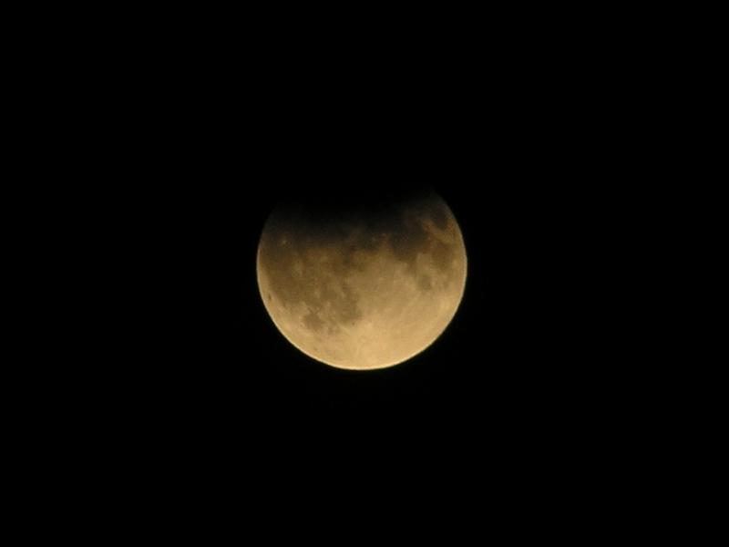Częściowe zaćmienie Księżyca 7 września 2006 w Poznaniu (3)
