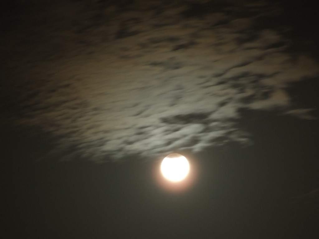 Zaćmienie Księżyca - artystycznie