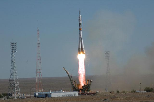 start rakiety Soyuz TMA-9 - czternasta załoga ISS