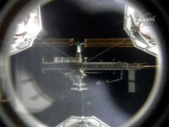 Stacja kosmicza widziana z Discovery podczas misji STS-116
