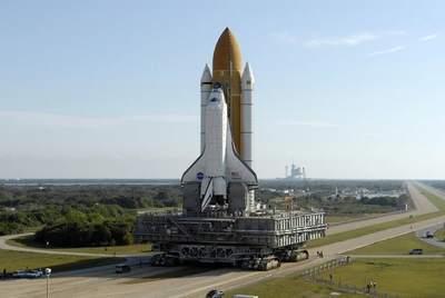 STS-117 droga na pad startowy