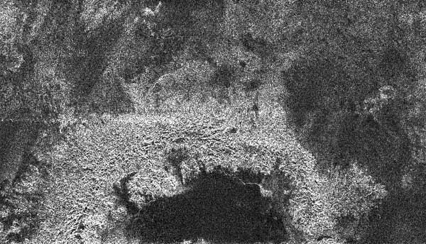 Krateropodobny twór na Tytanie
