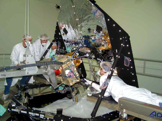 Montaż satelity Planck