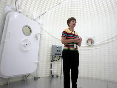 Wnętrze komory bazy na Księżycu