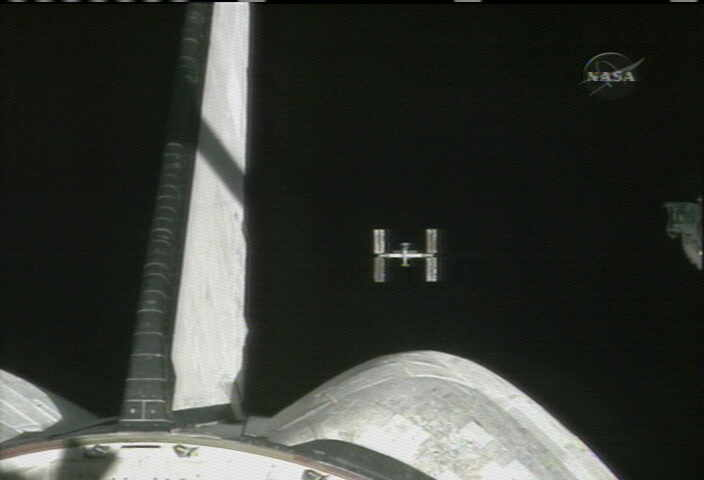 STS-117:Atlantis opuszcza MSK
