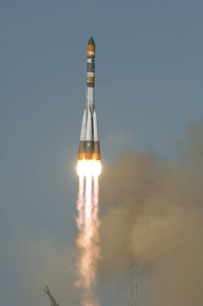 Sojuz-U wynosi statek Foton-M3