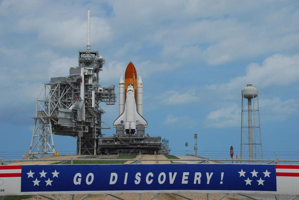 STS-120: Discovery na padzie startowym