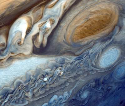 Voyager 1 - Saturn, Jowisz