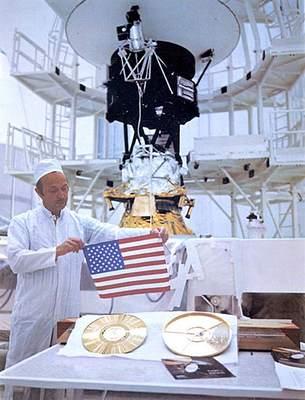 Voyager - montaż płyty Golden Record