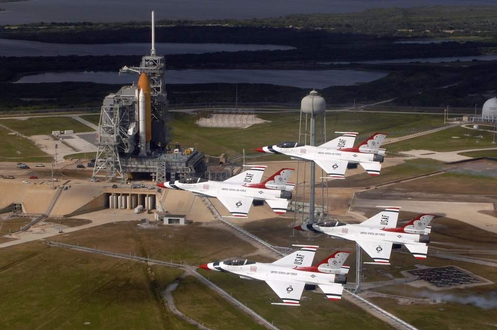 Endeavour czeka na start w STS-123