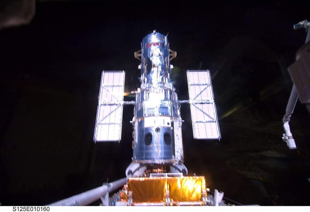Teleskop Hubble'a po pięciu spacerach