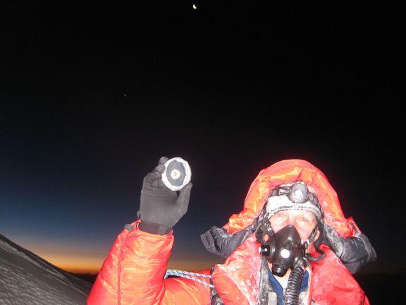 Scott Parazynski na szczycie plus skały