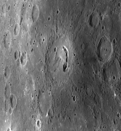 MESSENGER patrzy na Merkurego