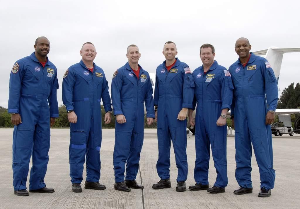 Załoga misji STS-129