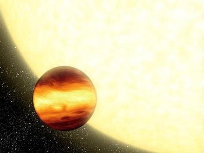 Wizja artystyczna planety przechodzącej przed macierzystą gwiazdą.