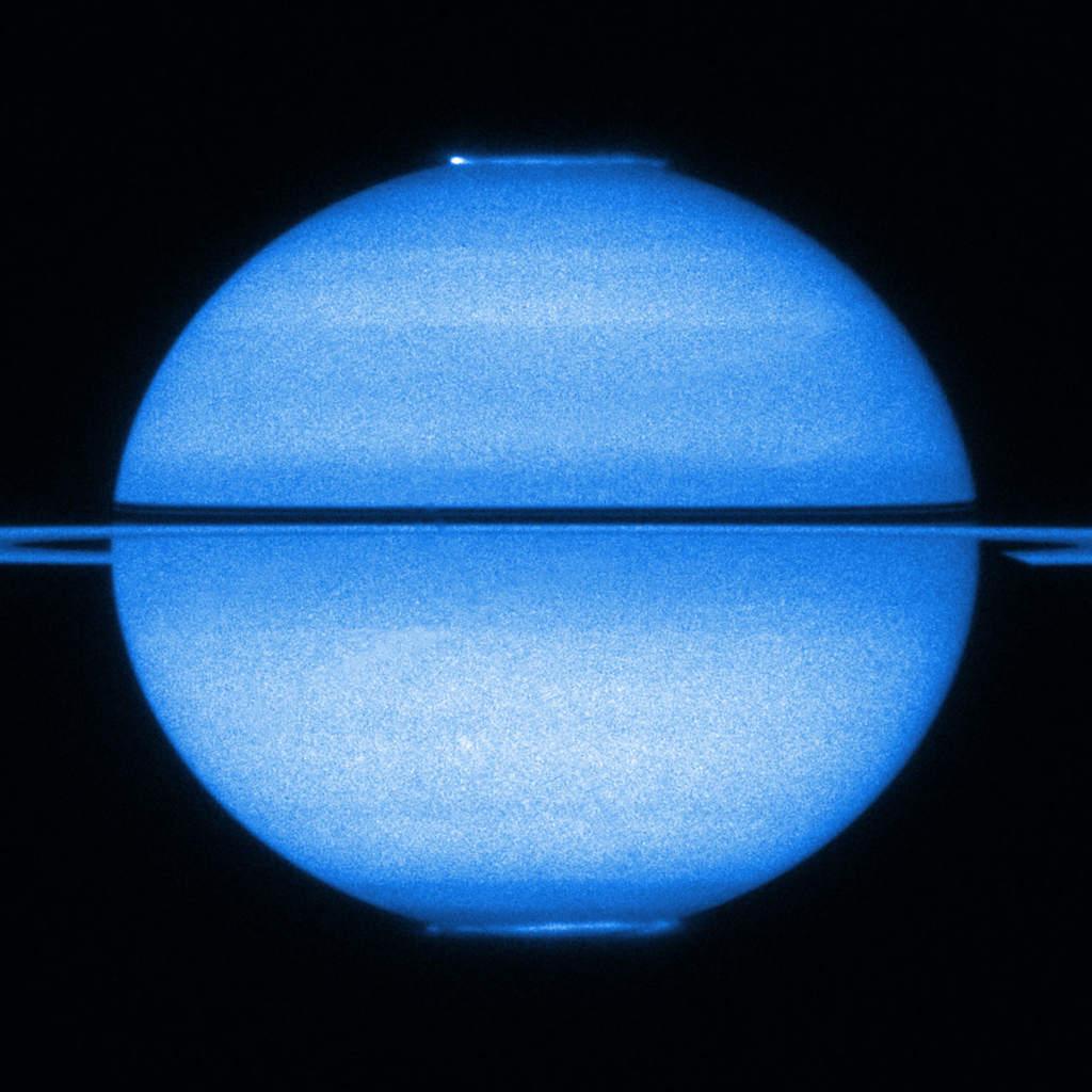 Zorze polarne na Saturnie