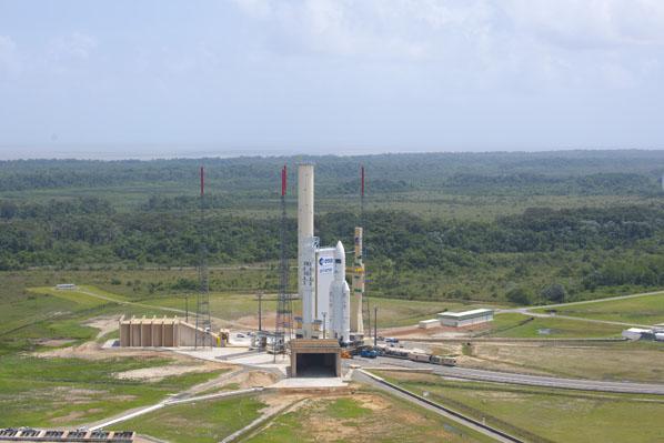 Ariane 5 i ATV-2 na stanowisku