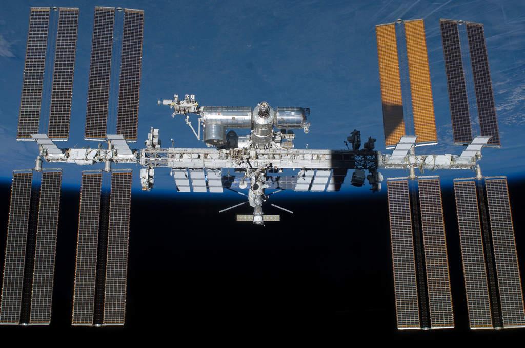 STS-134 fotografuje MSK