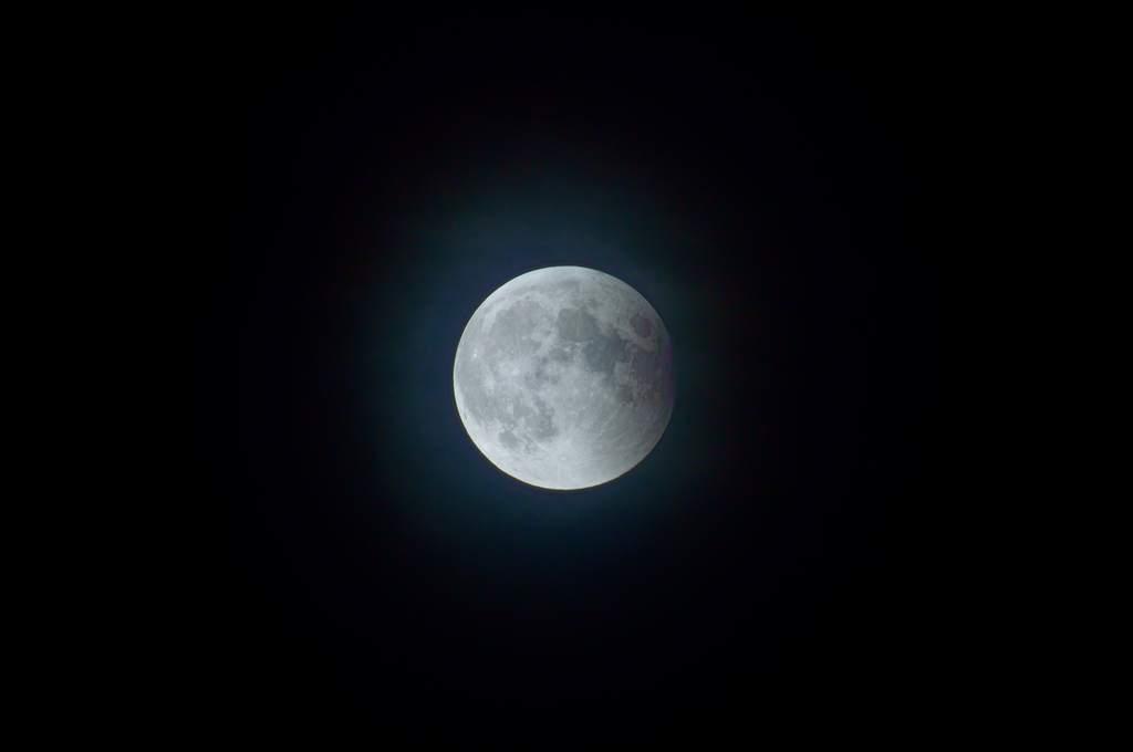 Andrzej Karoń - zaćmienie Księżyca 15 czerwca 2011 (IV)