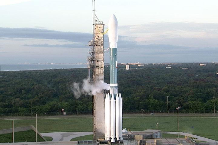 Delta II oczekująca na start 9 września 2011