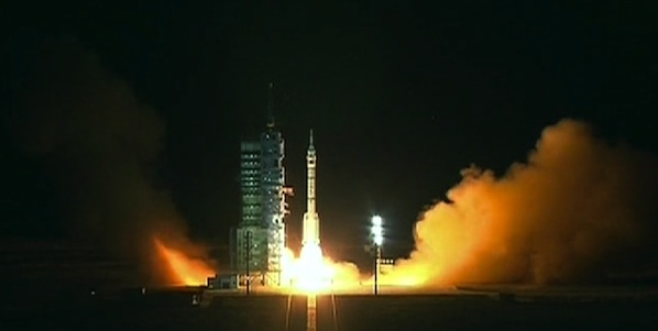 Start Shenzhou-8