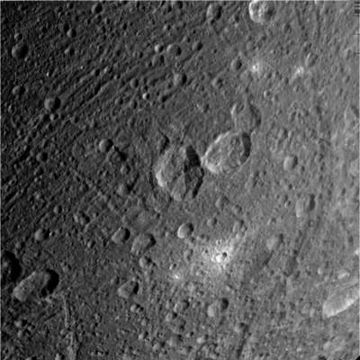 Dione, fragment powierzchni