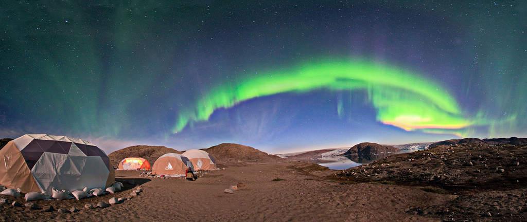 Obóz obserwatorów zórz podczas poprzedniej ekspedycji